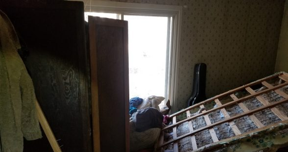 Master bedroom before remodel